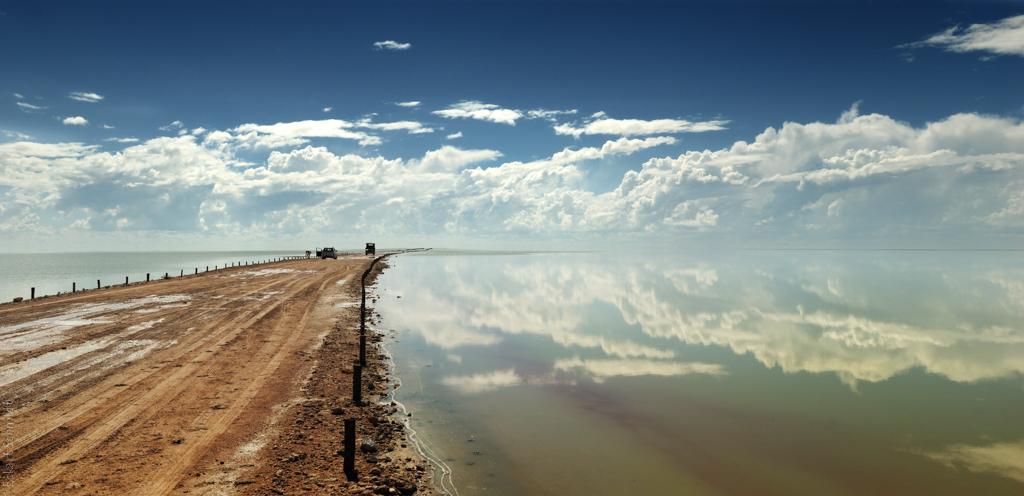 Namibia  - Etoshapan mit Wasser